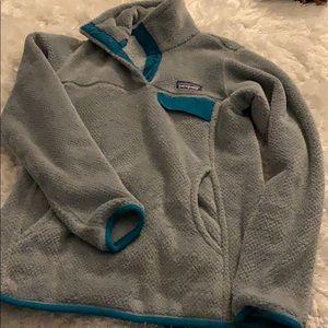 gray/ blue patagonia sweatshirt